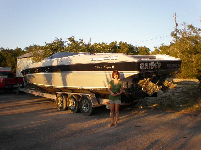 1988 Chris Craft Stinger 375   at CarsBikesBoats.com in Round Mountain TX