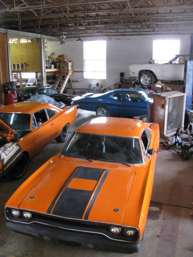 Plymouth Roadrunner TRACK-PACK - 1970 Plymouth Roadrunner TRACK-PACK - 1970 Plymouth TRACK-PACK