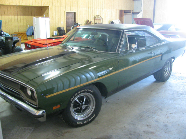 more details - plymouth roadrunner