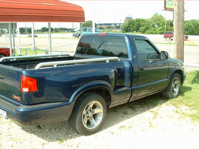 2001 GMC Sonoma  at Lucas Mopars in Cuero TX