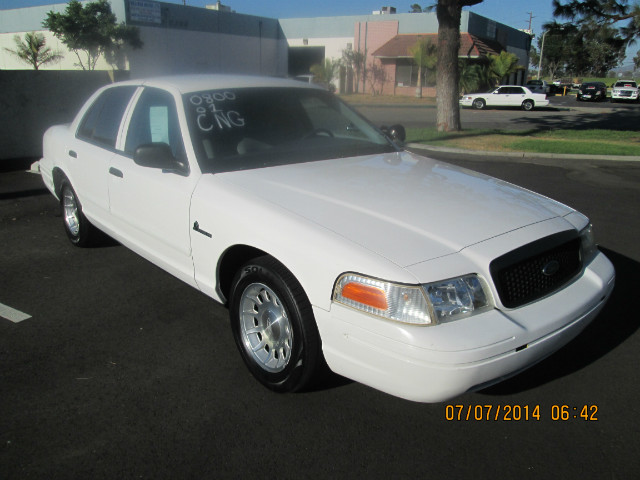 Ford Crown Victoria Police Interceptor - 2001 Ford Crown Victoria Police Interceptor - 2001 Ford Police Interceptor