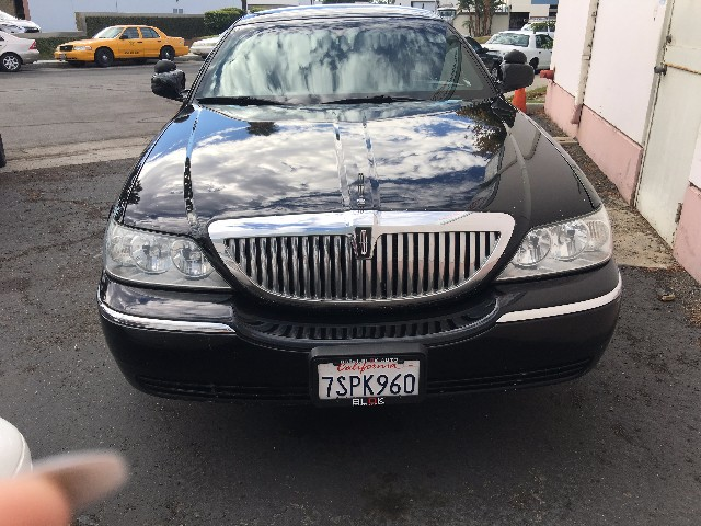 more details - lincoln town car