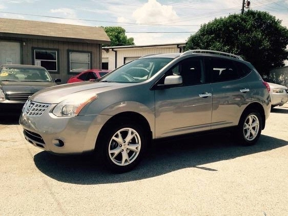 2009 Nissan Rogue SL at Texas Topline Motors in Dallas TX
