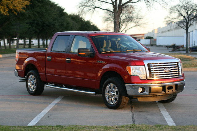 2011 Ford F-150 XLT SuperCrew at USB Investments in Carrollton TX