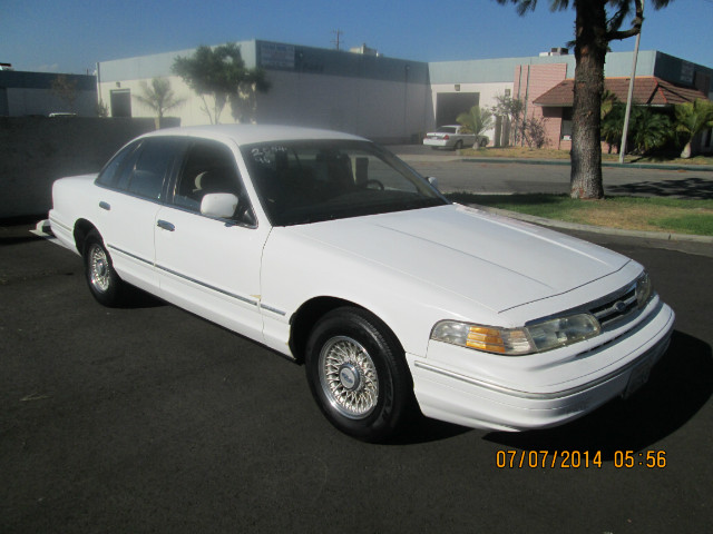 Ford Crown Victoria Police Interceptor - 1996 Ford Crown Victoria Police Interceptor - 1996 Ford Police Interceptor