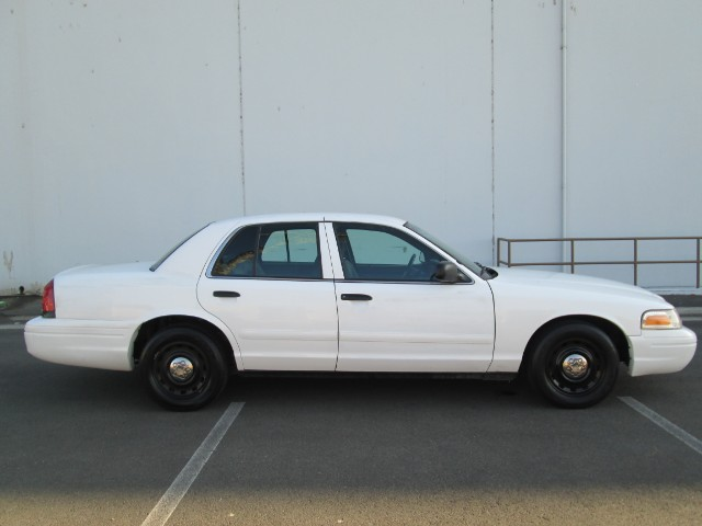 Ford Crown Victoria Police Interceptor - 2003 Ford Crown Victoria Police Interceptor - 2003 Ford Police Interceptor